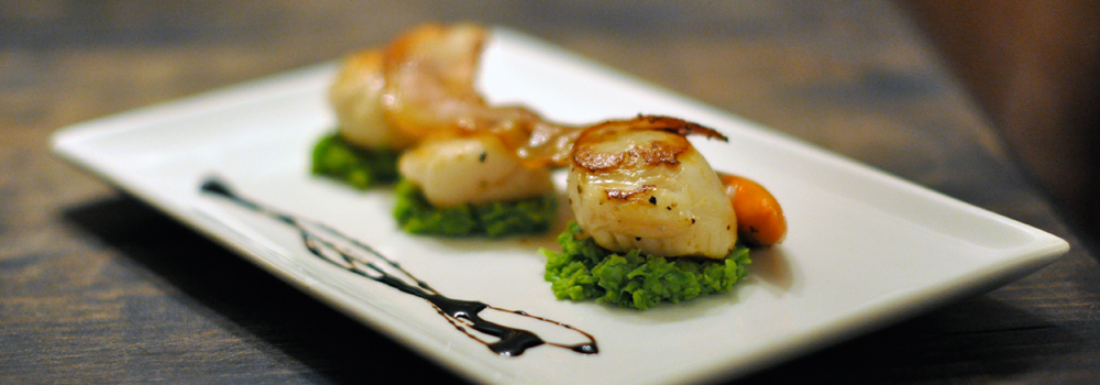 Scalopps with minted pea puree by private chef Manchester